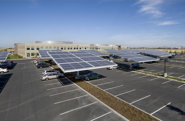 Estacionamento solar: tire suas principais dúvidas sobre o assunto