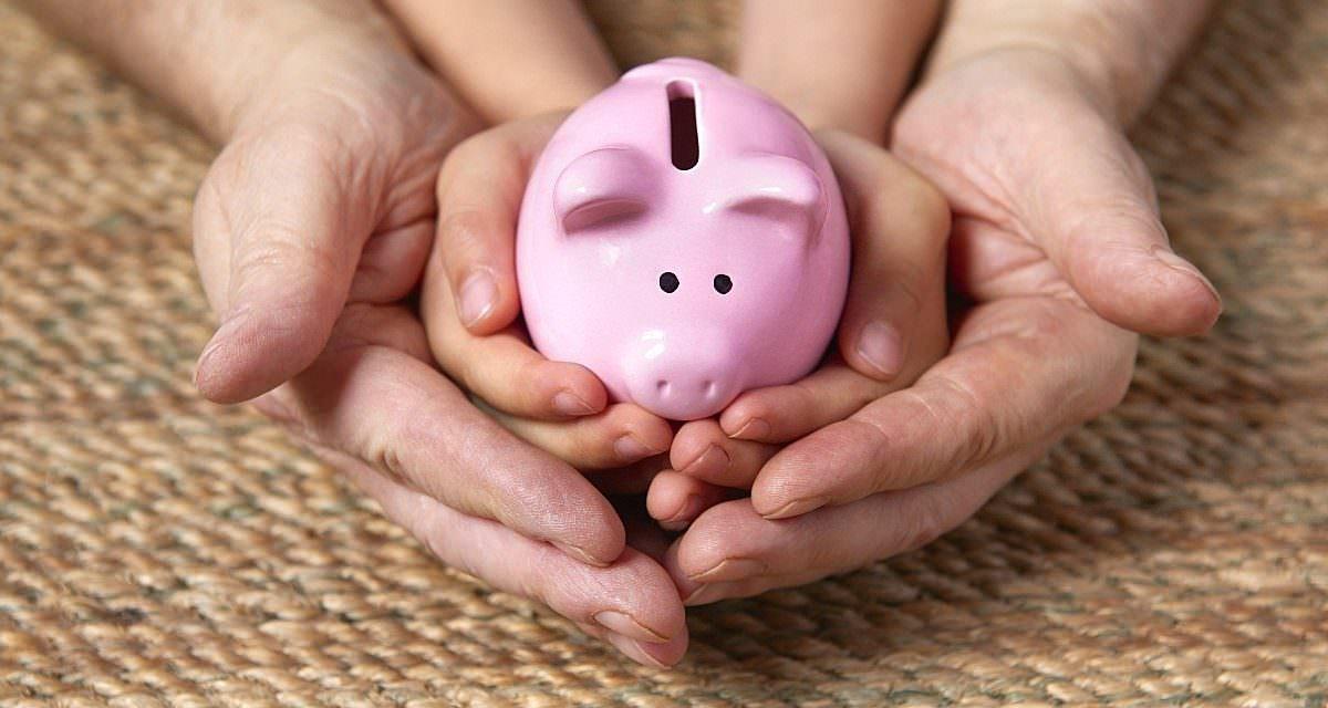 Como ensinar os filhos a economizar? Veja 5 dicas!