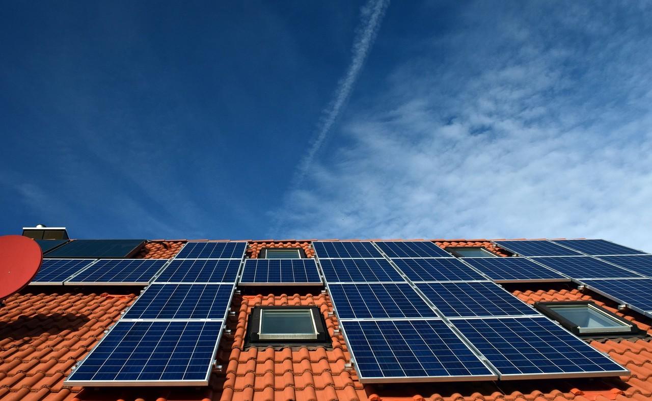 Impactos da energia fotovoltaica no orçamento domiciliar