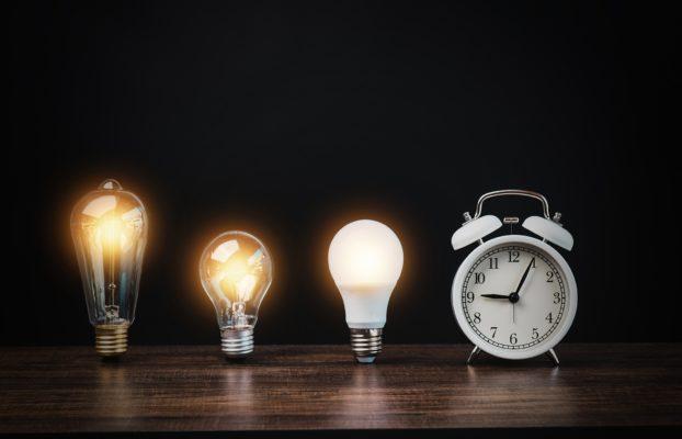 Qual o melhor horário para economizar energia? Entenda aqui