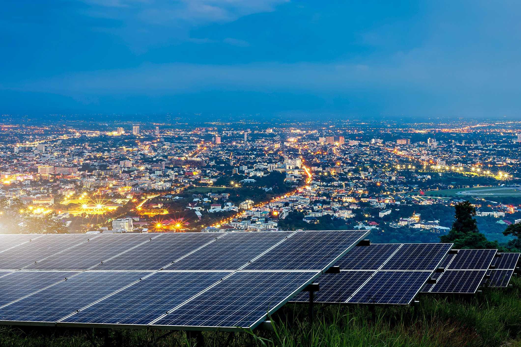 Energia solar funciona à noite? Venha descobrir!