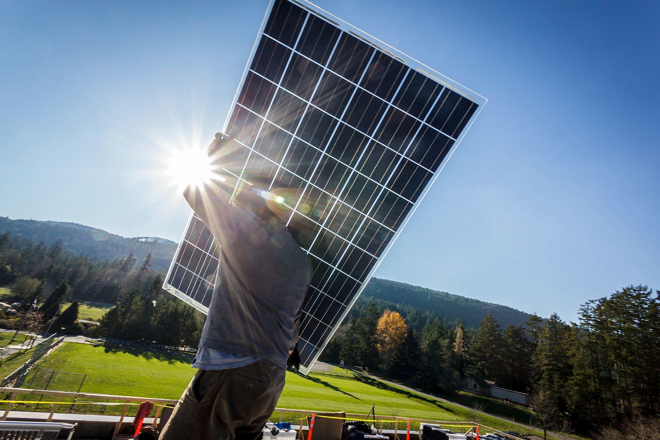 O que é preciso para trabalhar com energia solar?