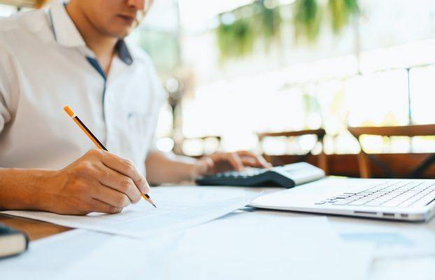 Aprenda agora como calcular o retorno financeiro de uma franquia